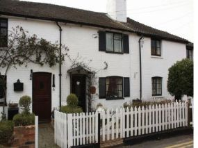 Rose cottage Pet-friendly let Christchurch Dorset | dogs welcome here